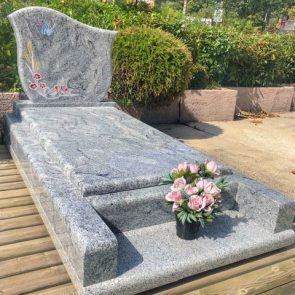 monument-funeraire-buterfly-gravue