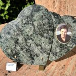 plaque-double-coeur-granit-photo